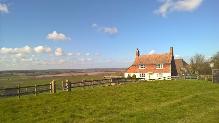 Coldharbour Cottage on a farm with fabulous views