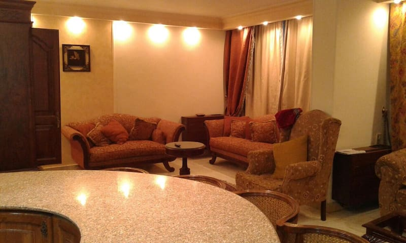 Luxury In The Middle Of Cairo - Cairo - Apartment