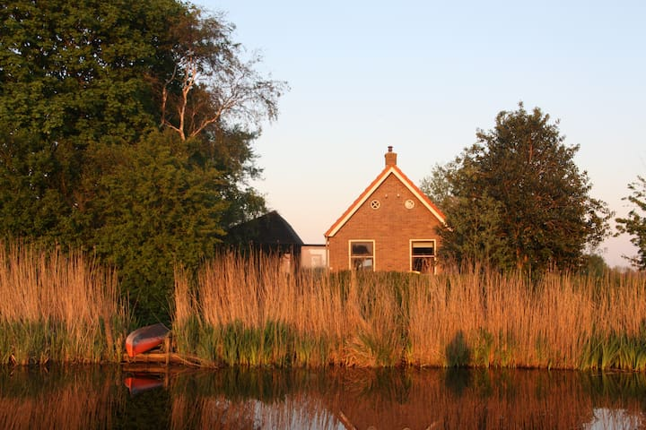 Waterside country villa - Echtenerbrug - House