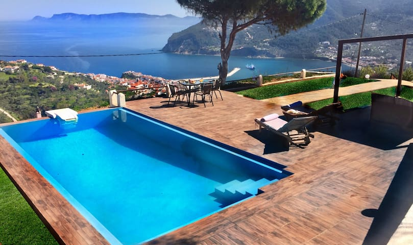Villa Savvina with stunning view - Σκοπελος - Villa