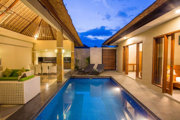 NEW! 2 Bedrooms Villa Seminyak near Potato Head.