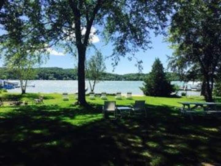 Newly renovated Walloon Lake cottage near Petoskey