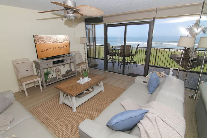 Sea Glass Resort, Recently Renovated 3/2, Direct Oceanfront, No-Drive Beach