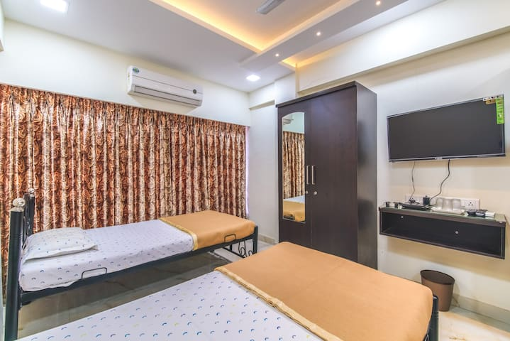 Group  Accommodation in Malad West - A/c Rooms