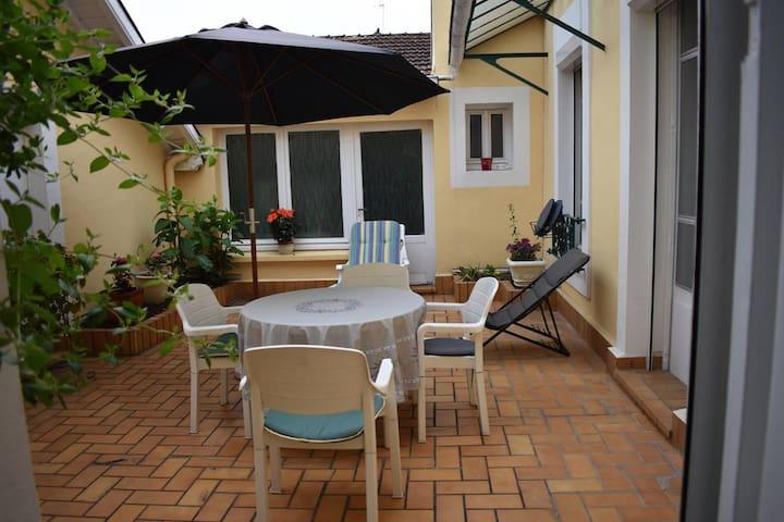 Chambre privative 1 Vichy centre avec Garage