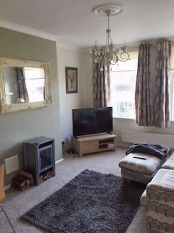 Double bedroom flat in centre of beautiful Marlow