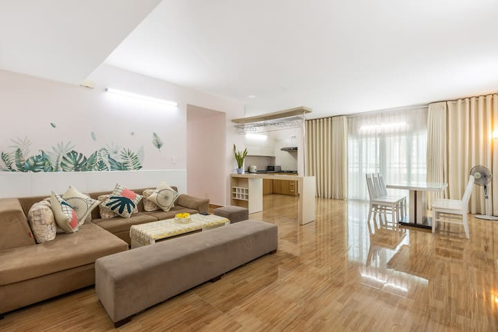 4 Bedrooms- Uplaza Apartment 160m2- Balcony (7.06)