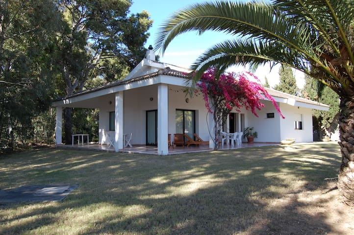 Private holiday villa on the way to Villasimius - Quartu Sant'Elena - Haus