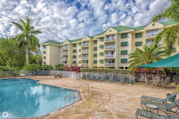Sunrise Suite 203- DECEMBER AND JANUARY SPECIAL!