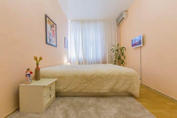 Двухкомнатные апартаменты на Майдане