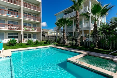 Upgraded Port A Studio at Seabreeze - Port Aransas - Selveierleilighet