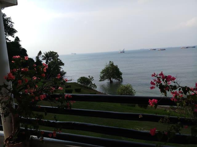 Sekupang  Home with seaview