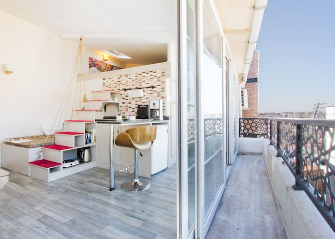 Windows terrace flat by Istiklal Avenue! - Beyoğlu - Loft