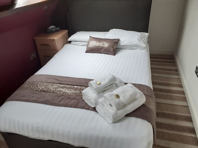 Comfortable Double Room - High Tor Hotel