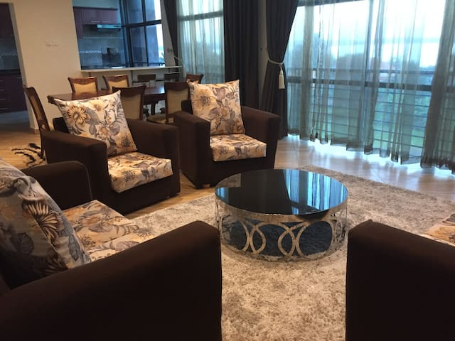 Mocha Apartments B3, Bunga