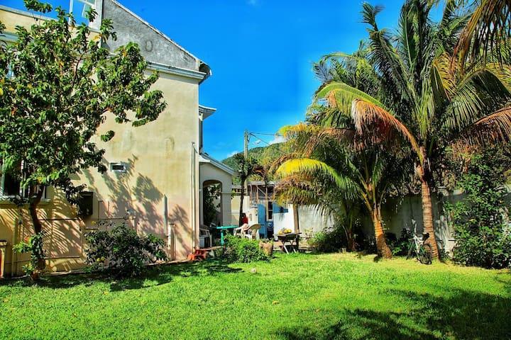 Villa Le Dauphin Le Morne Mauritius - Le Morne - Hus