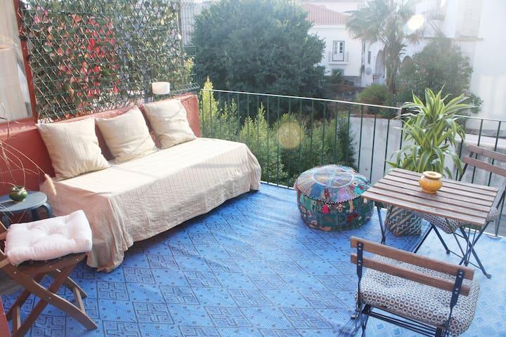 Amazing Alfama Sunny Bedroom!!!
