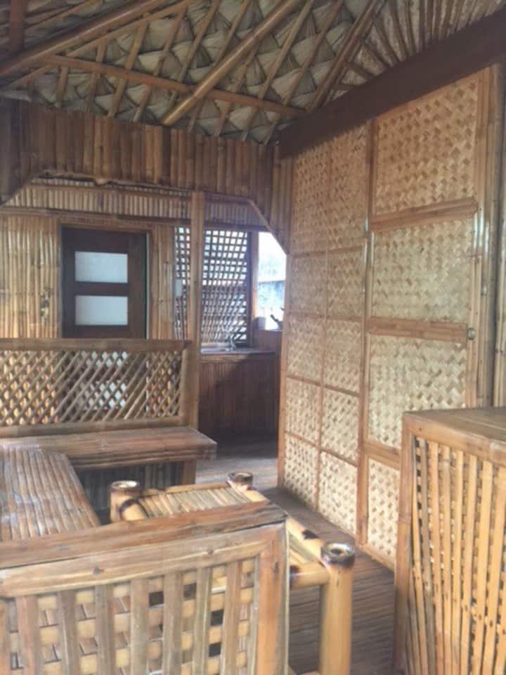 Bahay Pawid Naujan Beach Hut 2 (3pax)