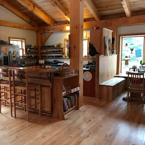 Beautiful Timber Frame home on Bear Cub Lane