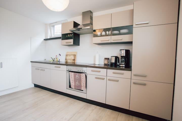 Voll ausgestattete Küche - Fully Equipped Kitchen