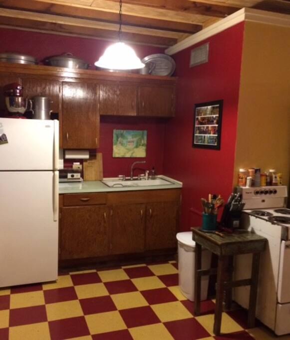 Paul 39 s studio at the old bank appartementen te huur in scott louisiana verenigde staten - Bank kitchenette ...