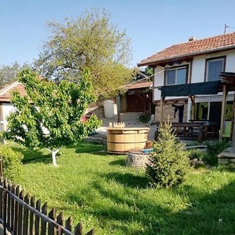 Хепинес Буковец