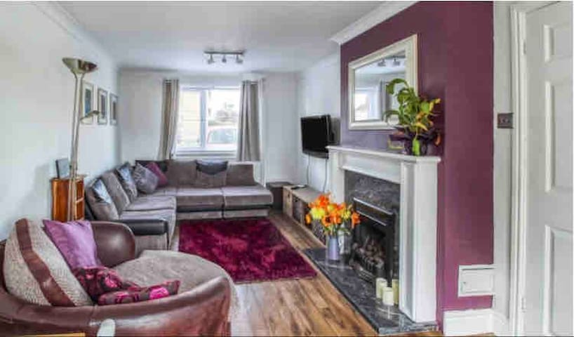 Two bed house in the heart of Newmarket
