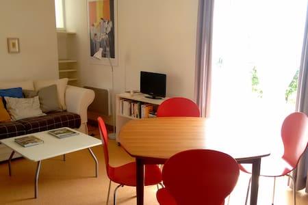 Charmante maison d'architecte à 20 min de Cluny - Saint Gengoux de Scissé  - House