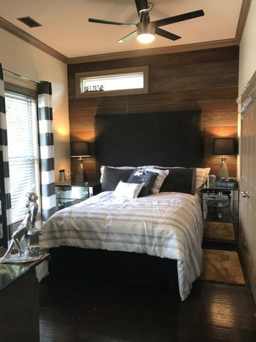 Guest Bedroom  A comfortable bed, for relaxing after  touring of the beautiful sites that Savannah has to offer.  Traveling with a friend, and need to sleep separately?  I got you covered!!!  For your comfort there is an automated air mattress.