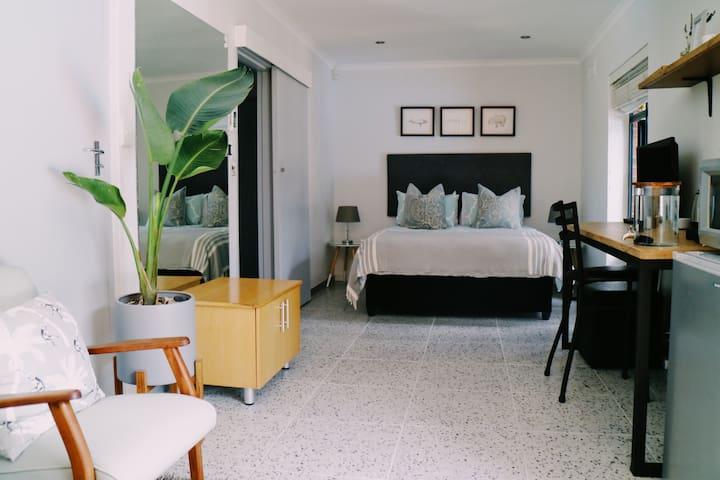 Garden Suite @ Windsor