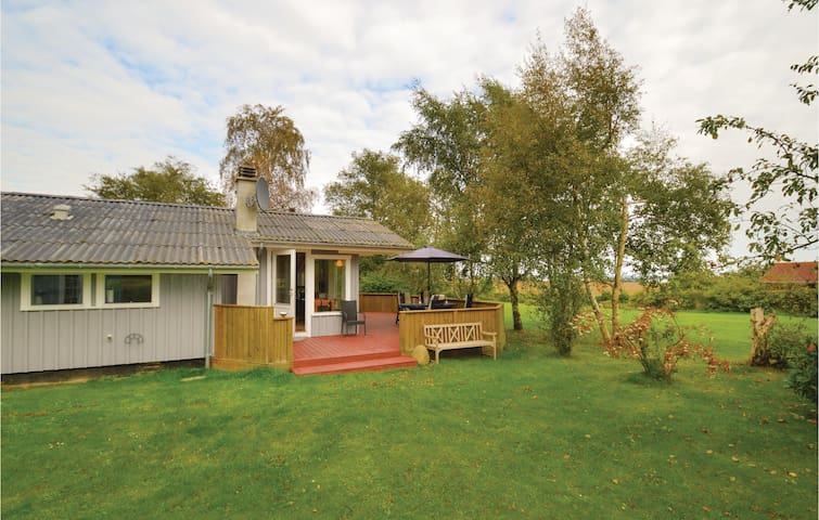 Holiday cottage with 3 bedrooms on 89 m² in Bogø By