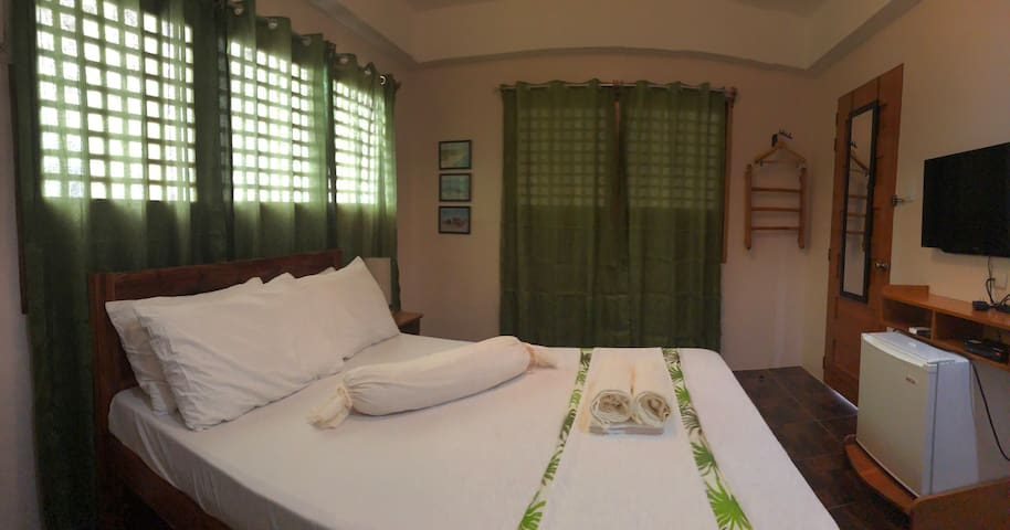 KRJ3 Tropical Room In Santa Fe Bantayan Is. Cebu