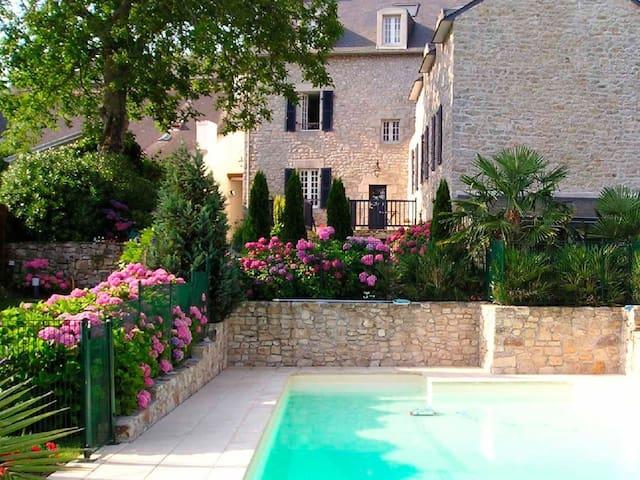 Vue villa piscine