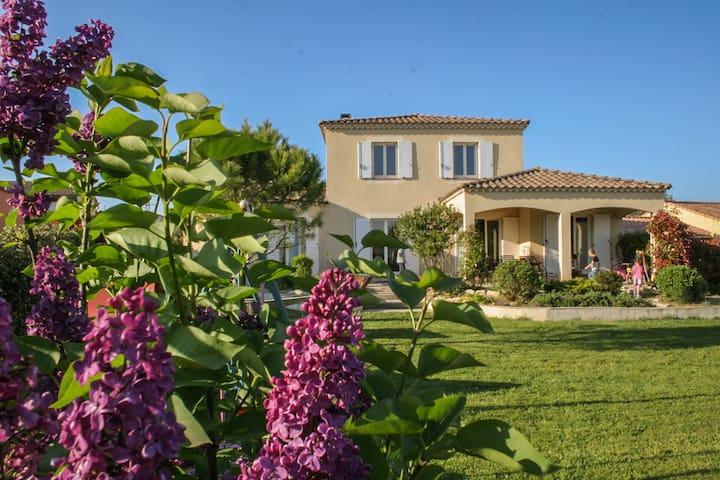 Villa à la campagne proche Uzes  - Moussac - Huis