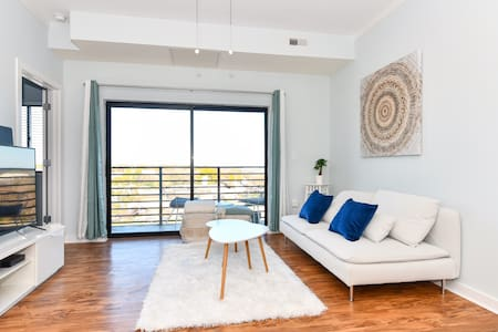 {Cloud 9} Your Uptown Charlotte Luxury Apartment
