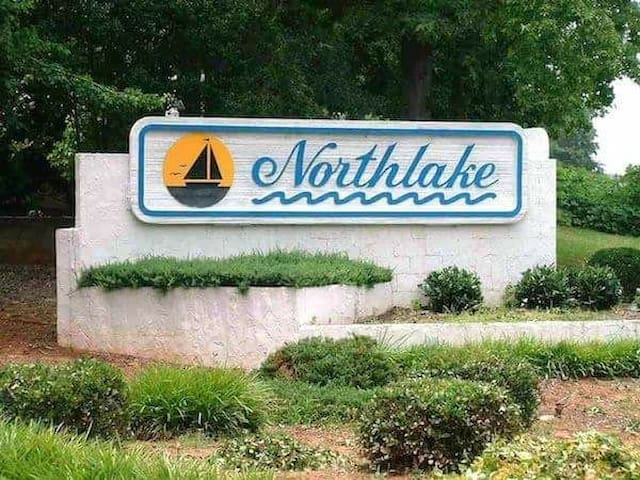 The Northlake Captain's Quarters 3 BR 2 BA condo