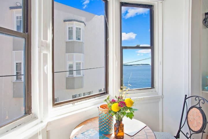 Best choice of Beachfront accommodation in Manly.