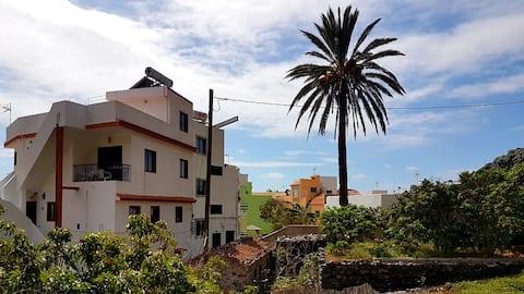 Apartamento Antonia (2A), La Playa with views