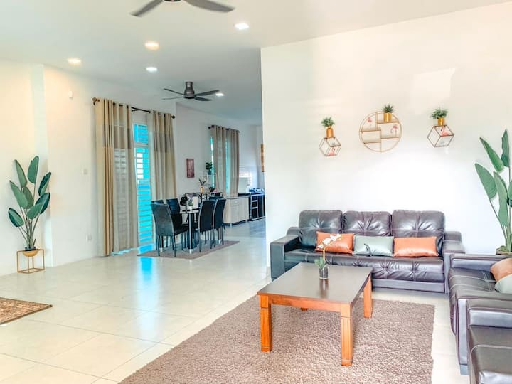 BIHAN HOMEStay 4room Airconds+FREE wifi Alor Setar