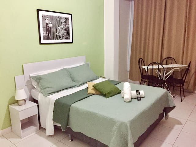 Spacious Bedroom, one min away from Copacabana bea