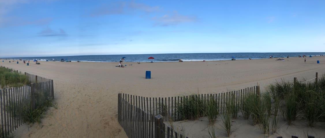 Remodeled family vacation beach condo.