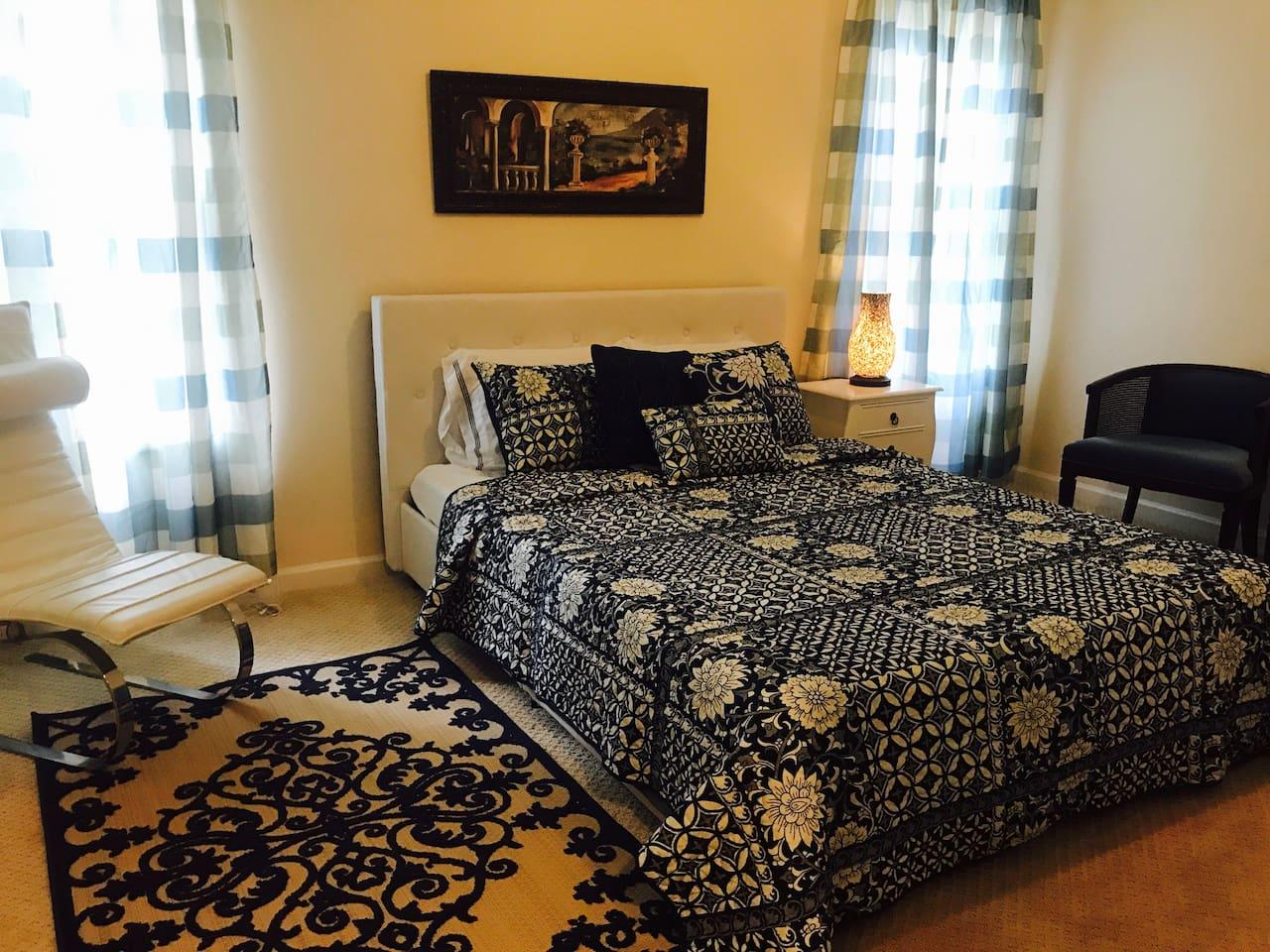 Queen bed with memory foam mattress.