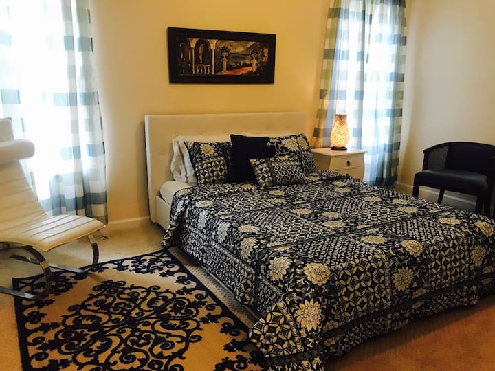 Amazing deal in Fairfax VA with Shared Bathrooms