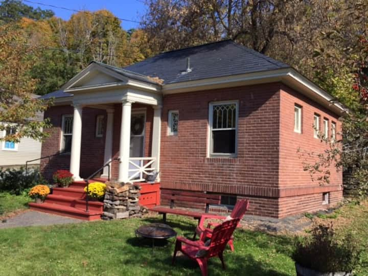 Historic 1909 Library in Quechee VT
