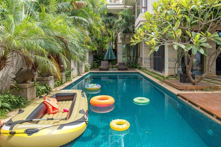 三亚湾椰梦长廊  独栋800平米海居别墅  私家泳池  五星级物业服务