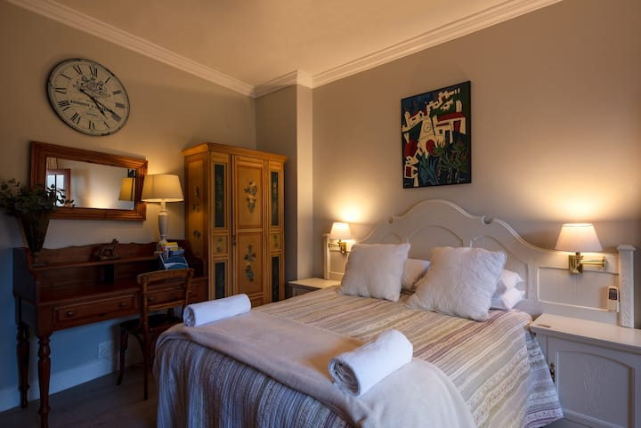 Cheriton B&B, Family Room, Simon's Town.