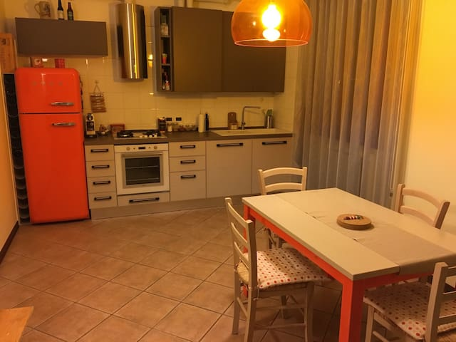 Fancy apartment with private box - Este - Leilighet