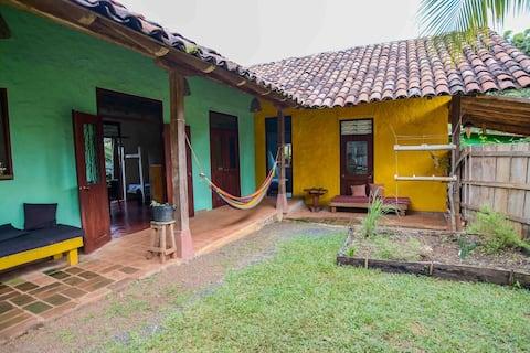 """Casa """"La Moncheria"""" con jardín y cocina X 4/5"""