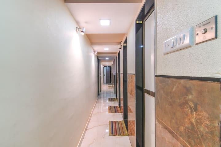 Room Way Lobby