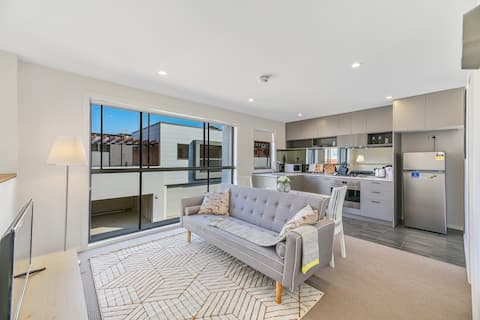 Brand New Rouse Hill One bed room Near Town Center